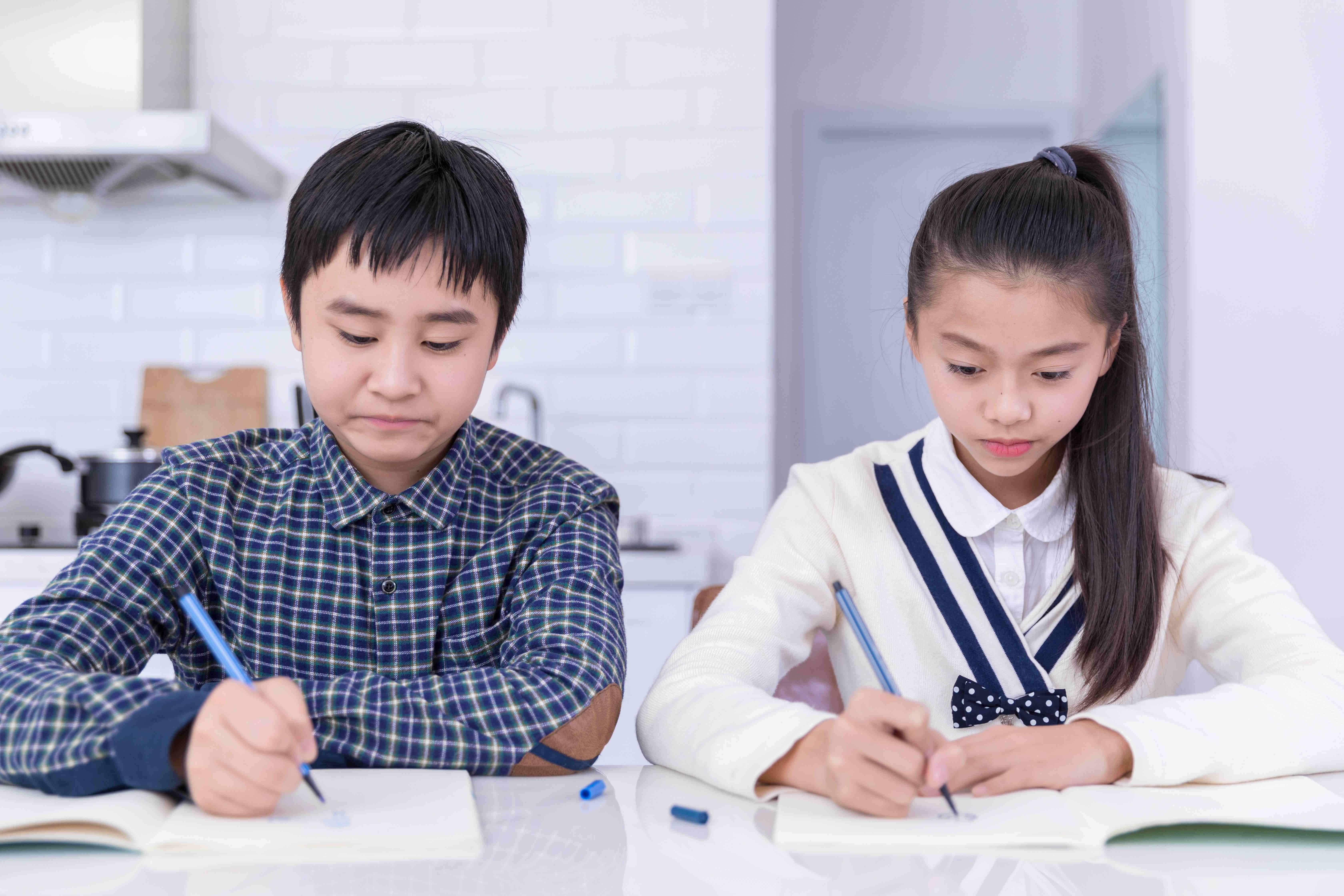 六年级作文3-6人精品小班组