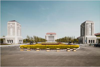 山西太原11名援疆老师走上新疆五家渠高级中学讲台!