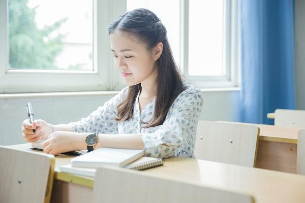 高質量陪伴孩子寫作業需要注意的7個細節!讓學習效果更好!