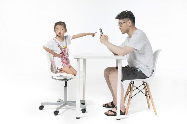 家长如何跟孩子进行有效沟通呢?做到这三步和孩子做朋友!