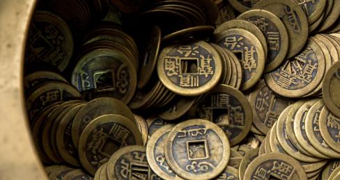 """清朝皇帝用來打賞的""""金瓜子""""是什么?當時的一兩金子相當于現在的多少錢?"""