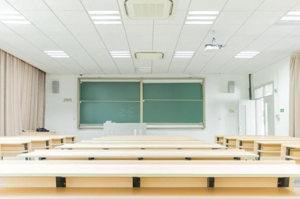 家长在给孩子选择兴趣班时要注意哪些问题?
