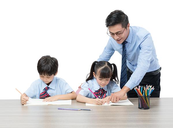 表扬是一门学问,家长们你们知道如何正确表扬孩子吗?