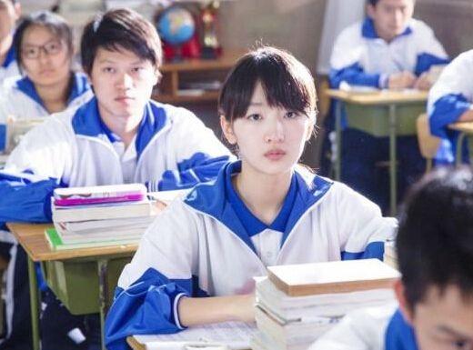 学生穿校服要不要取消呢?取消校服对孩子的影响大吗?