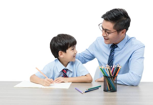 教育孩子的时候,是教孩子说普通话还是本地方言呢?