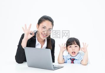为什么要让孩子从小学习英语?大思英语怎么样?