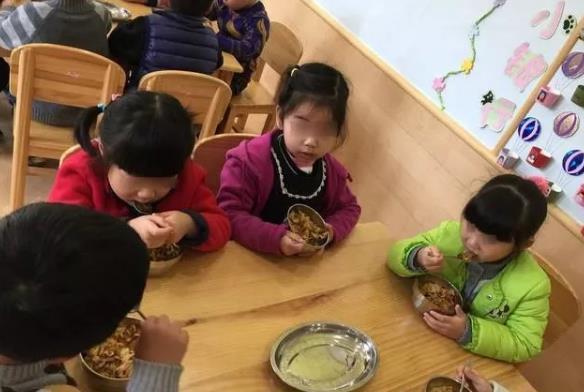 山东泰安某幼儿园食物发霉变质是怎么回事?最新进展和回应是什么?