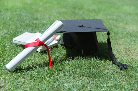 想学法学专业选择西北政法大学还是华南理工大学?哪所学校的专业实力强?
